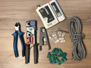 برای سوکت زدن کابل شبکه به ابزارهای زیر نیاز دارید